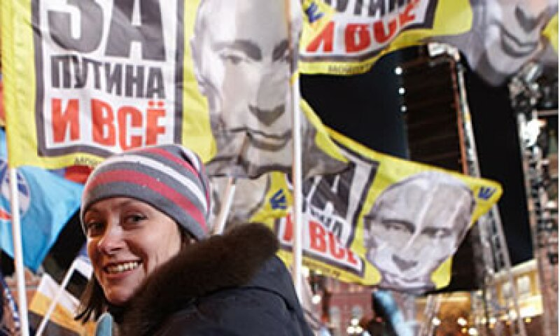 Las elecciones en Rusia culminaron con una cuestionada victoria de Vladimir Putin, quien ya ha ostentado la presidencia en dos ocasiones. (Foto: Cortesía CNNMoney.com)