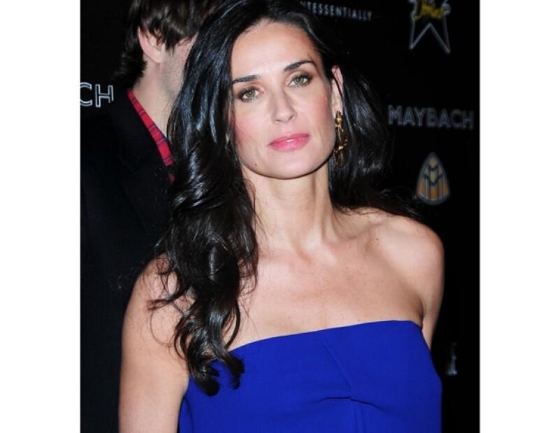 De acuerdo con fuentes cercanas, la actriz tenía la fijación de permanecer joven y atractiva para su ex Ashton Kutcher.