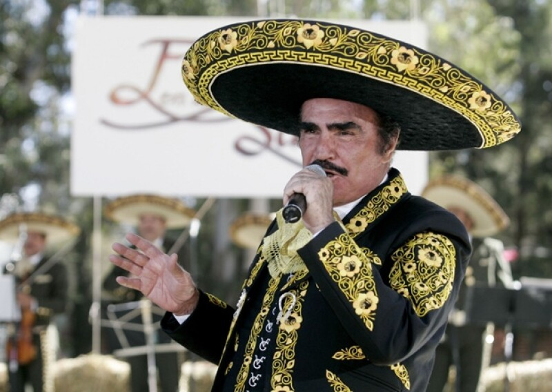 """Luego de que """"El País"""" diera a conocer que la empresa que organizó tres conciertos para el cantante podría tener vínculos con el lavado de dinero, sus representantes emitieron un comunicado."""