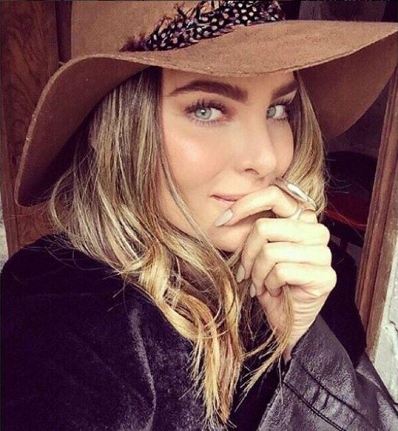 La guapa cantante compartió en Instagram una escena romántica de una película y al pie del video apuntó que le gustaría un amor así.