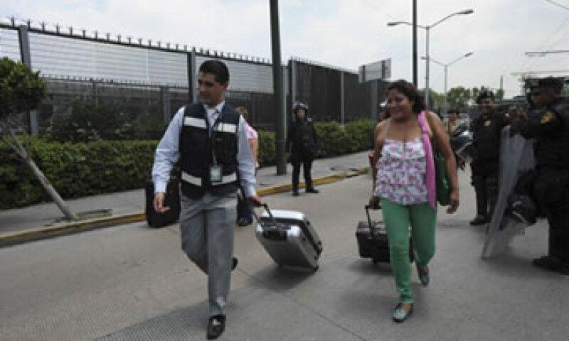El 23 de agosto los maestros protestaron en las inmediaciones del aeropuerto capitalino. (Foto: Cuartoscuro)