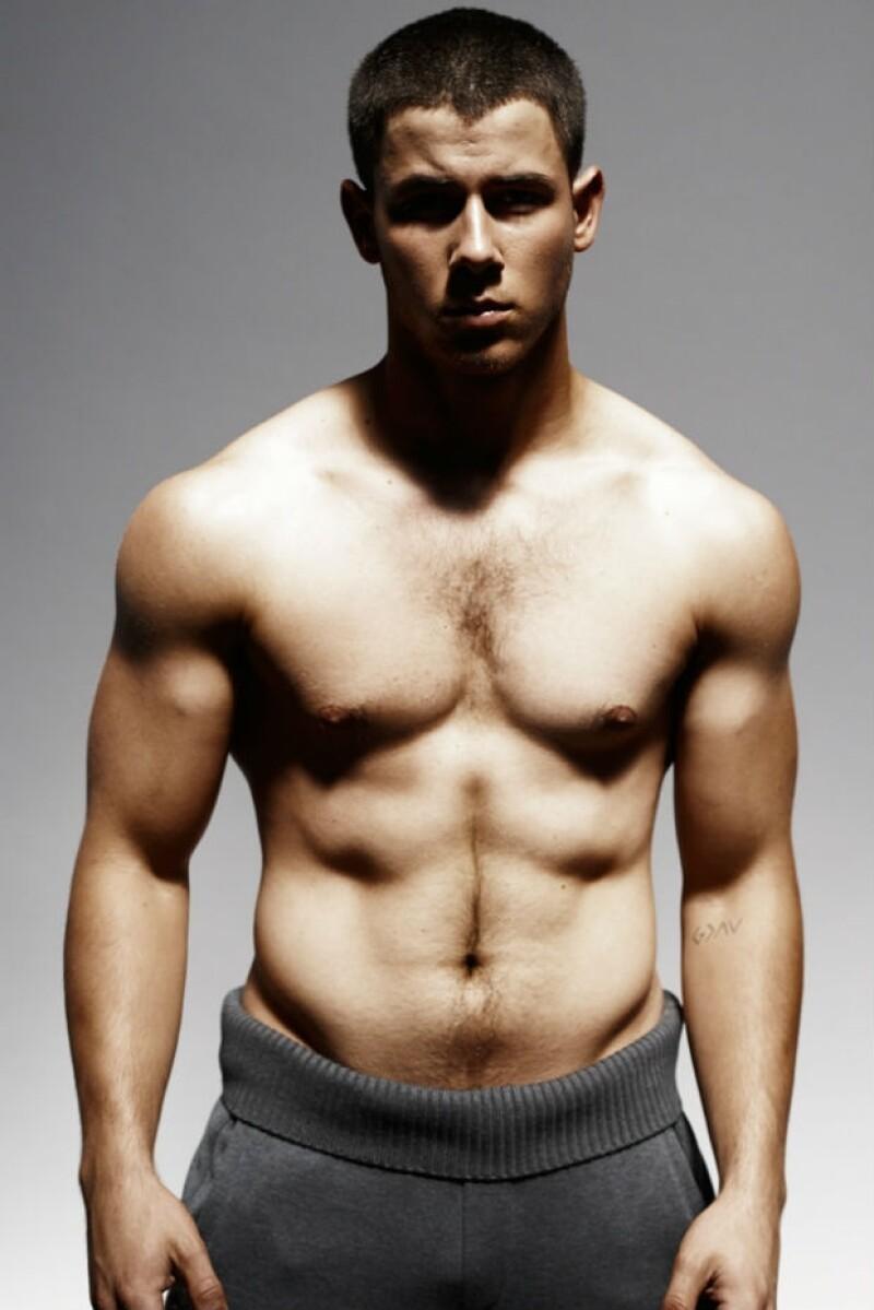 A sus 22 años, Nick Jonas tiene una figura envidiable, fruto de un duro entrenamiento.