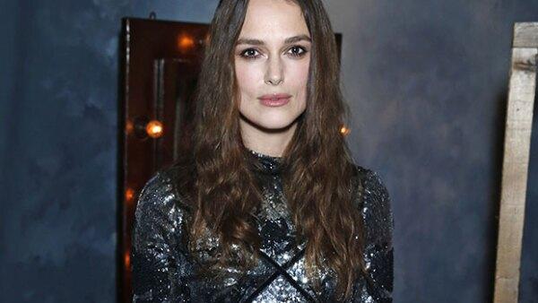 La actriz confesó que dadas la necesidades de su profesión sufre alopecia, la cual la ha orillado a optar por pelo postizo los últimos cinco años.