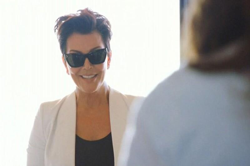 En un preview del siguiente episodio de I Am Cait, aparece la reacción de la matriarca del clan Kardashian-Jenner al ver a su ex esposo transformado en mujer.
