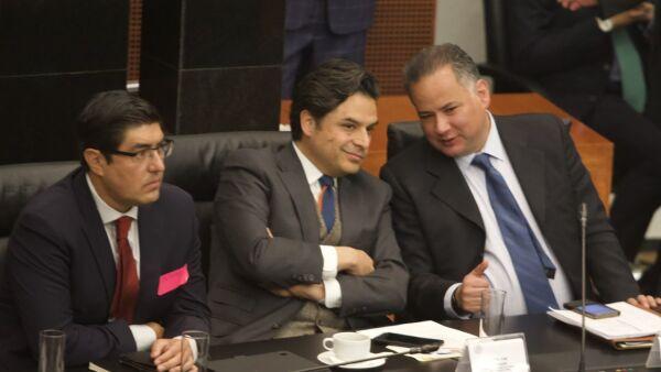Zoé Robledo y Santiago Nieto