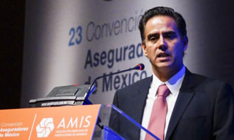 El sector asegurador alcanzará una penetración en el mercado de  2% del PIB en 2014, dijo Fernando Solis Soberón, presidente de AMIS. (Foto: Cuartoscuro)