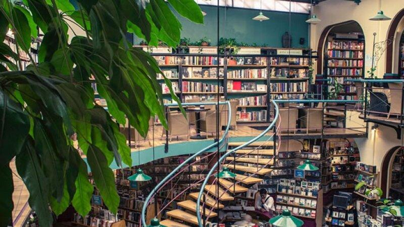 El Péndulo de Polanco es una de las librerías más hermosas que puedes visitar. (Foto: Cortesía/Cafebrería El Péndulo )
