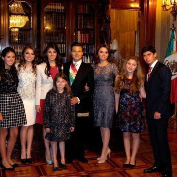 Foto oficial de la familia presidencial.