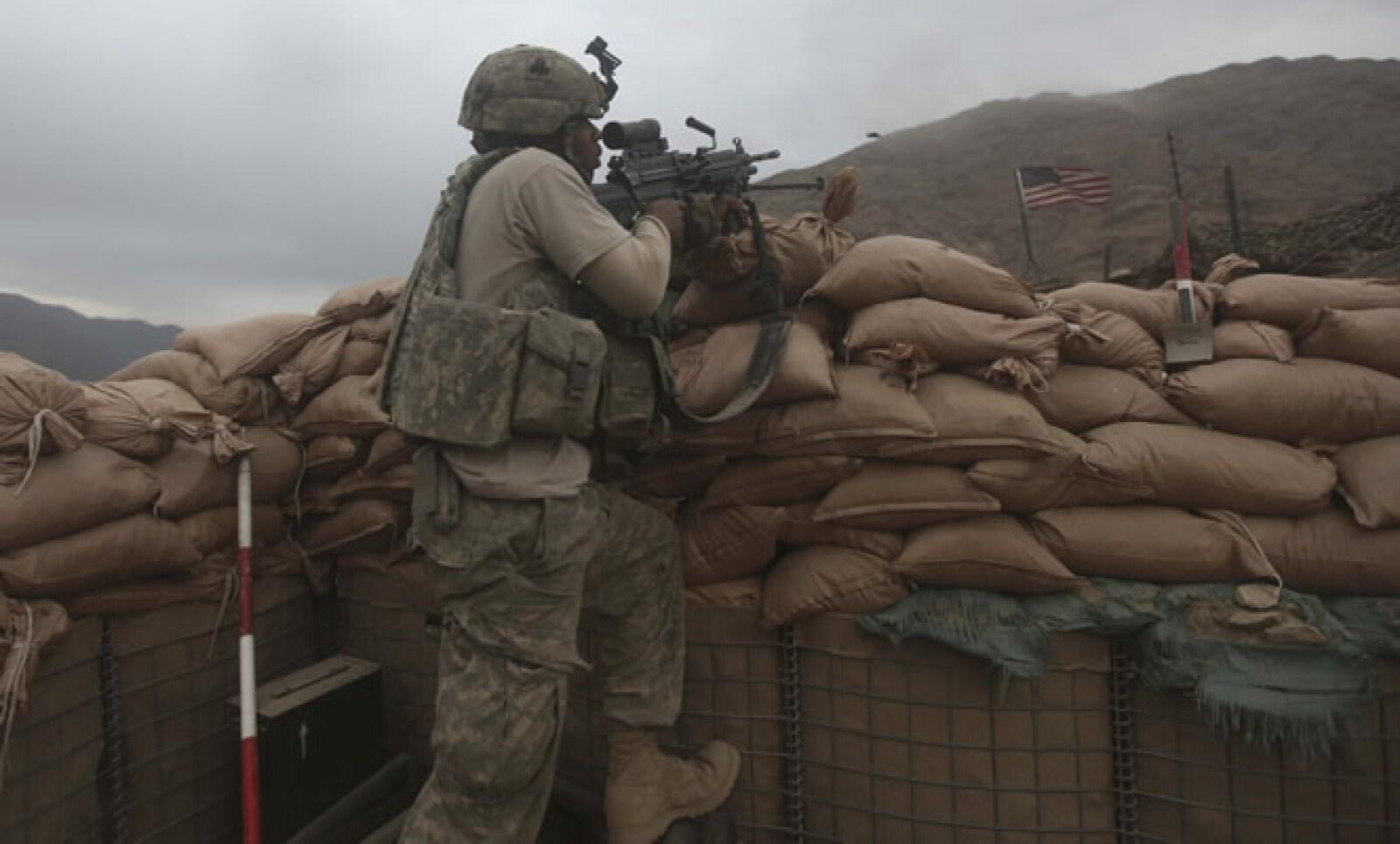 Estados Unidos, junto con el Reino Unido, lanzó una guerra en contra de la organización Al-Qaeda, bajo el nombre de 'Global War on Terror' o 'Operation Enduring Freedom'. Esta operación militar tuvo un costo de 1.2 billones de dólares y un saldo de más de