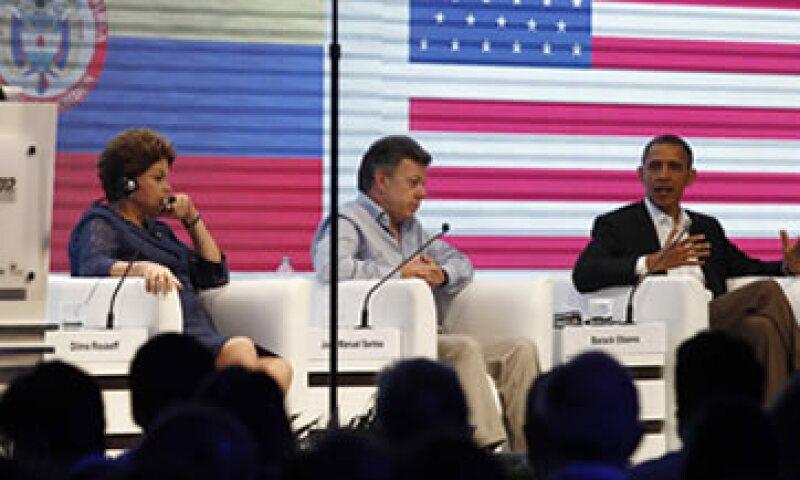Los presidentes de Brasil, Dilma Rousseff, Colombia, Juan Manuel Santos, y EU, Barack Obama, en un encuentro previo a la Cumbre. (Foto: Reuters)