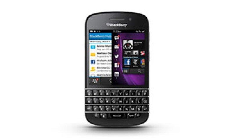 BlackBerry Q10 no ofrece aplicaciones como Spotify, Evernote o Nike+Running, pero mantiene un teclado funcional. (Foto: Cortesía de Fortune)