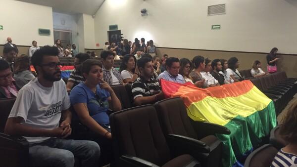 Los defensores de de derechos de la comunidad lésbico-gay piden la intervención de la Secretaría de Gobernación en el proceso electoral.