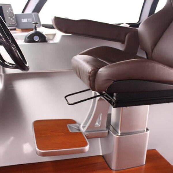 Adastra tiene espacio para seis miembros de la tripulación y máximo nueve invitados.