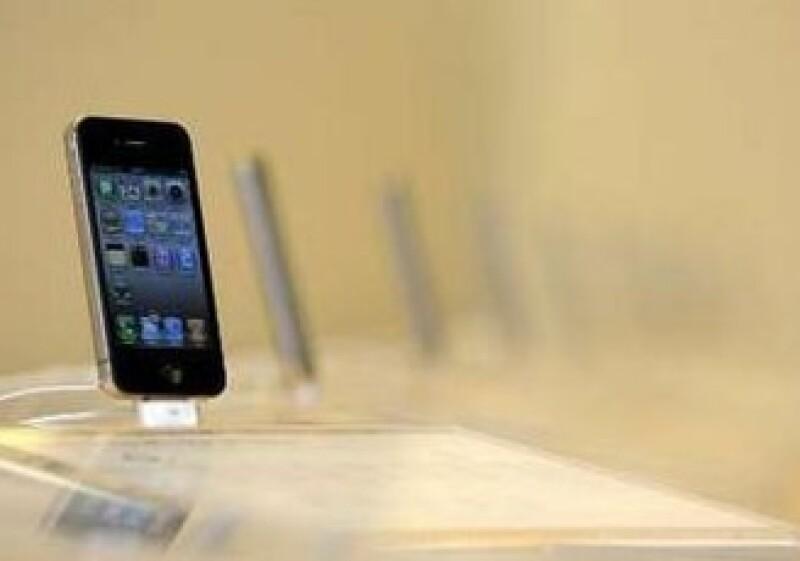 Apple se enfrenta año con año a los problemas que presentan sus dispositivos. (Foto: Reuters)