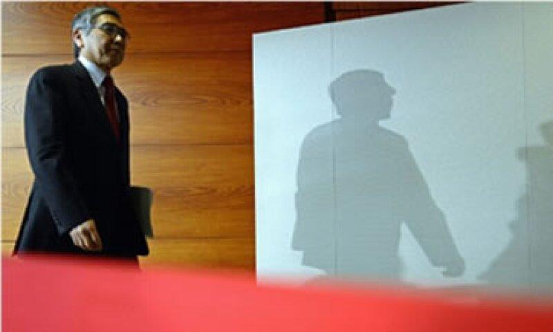 Haruhiko Kuroda, jefe del Banco de Japón, insiste en que no está tratando de perjudicar a otros países con el agresivo estímulo monetario.  (Foto: Cortesía CNNMoney.com)