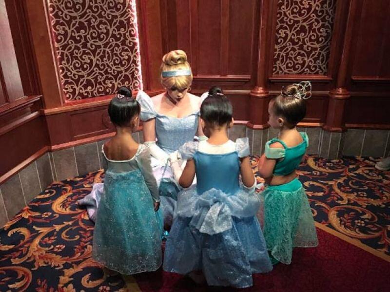 Las tres amigas se transformaron en princesas de los personajes de Disney y no solo eso, sino que disfrutaron de las principales atracciones del lugar.