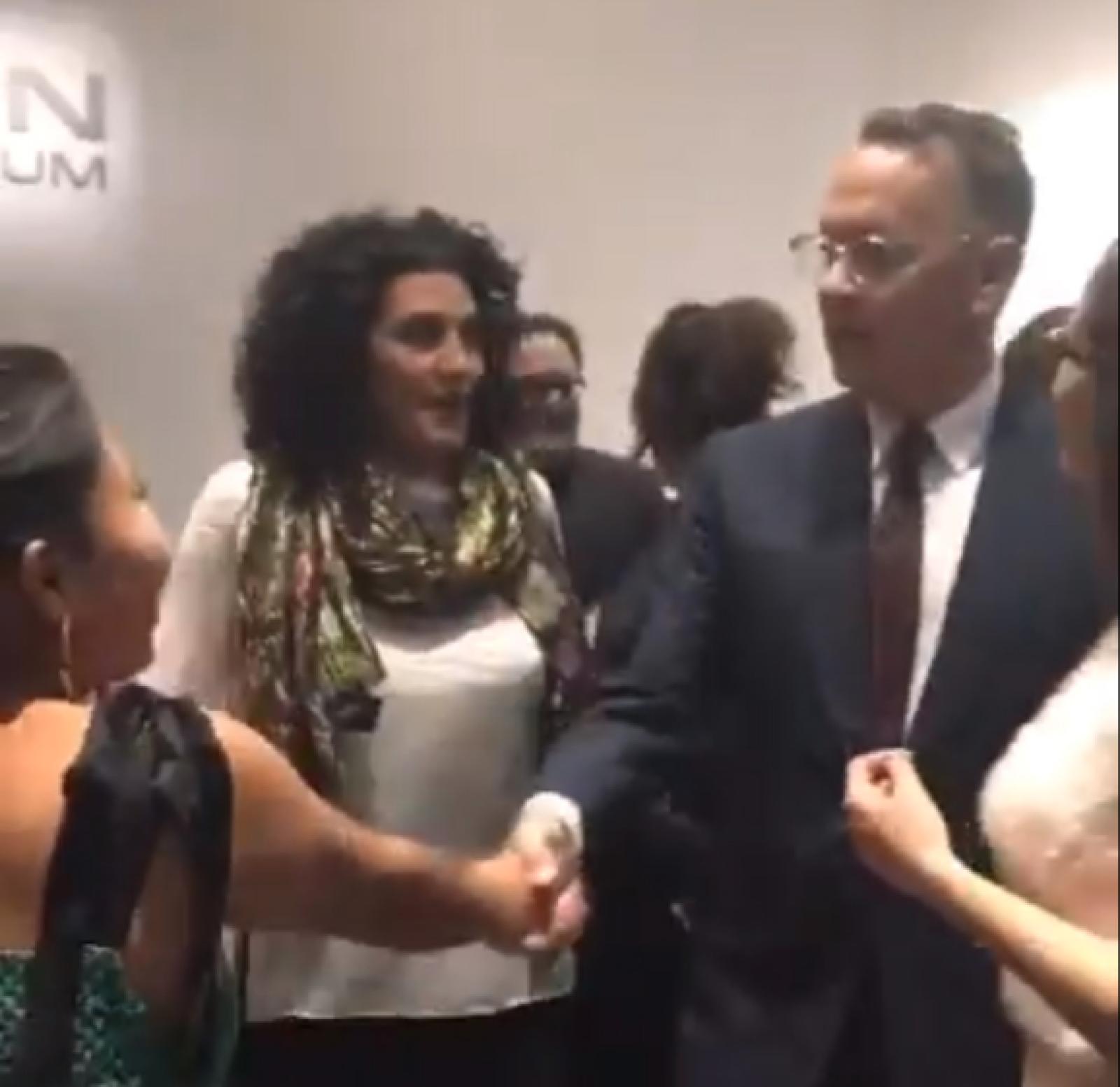 Yalitza y Tom Hanks