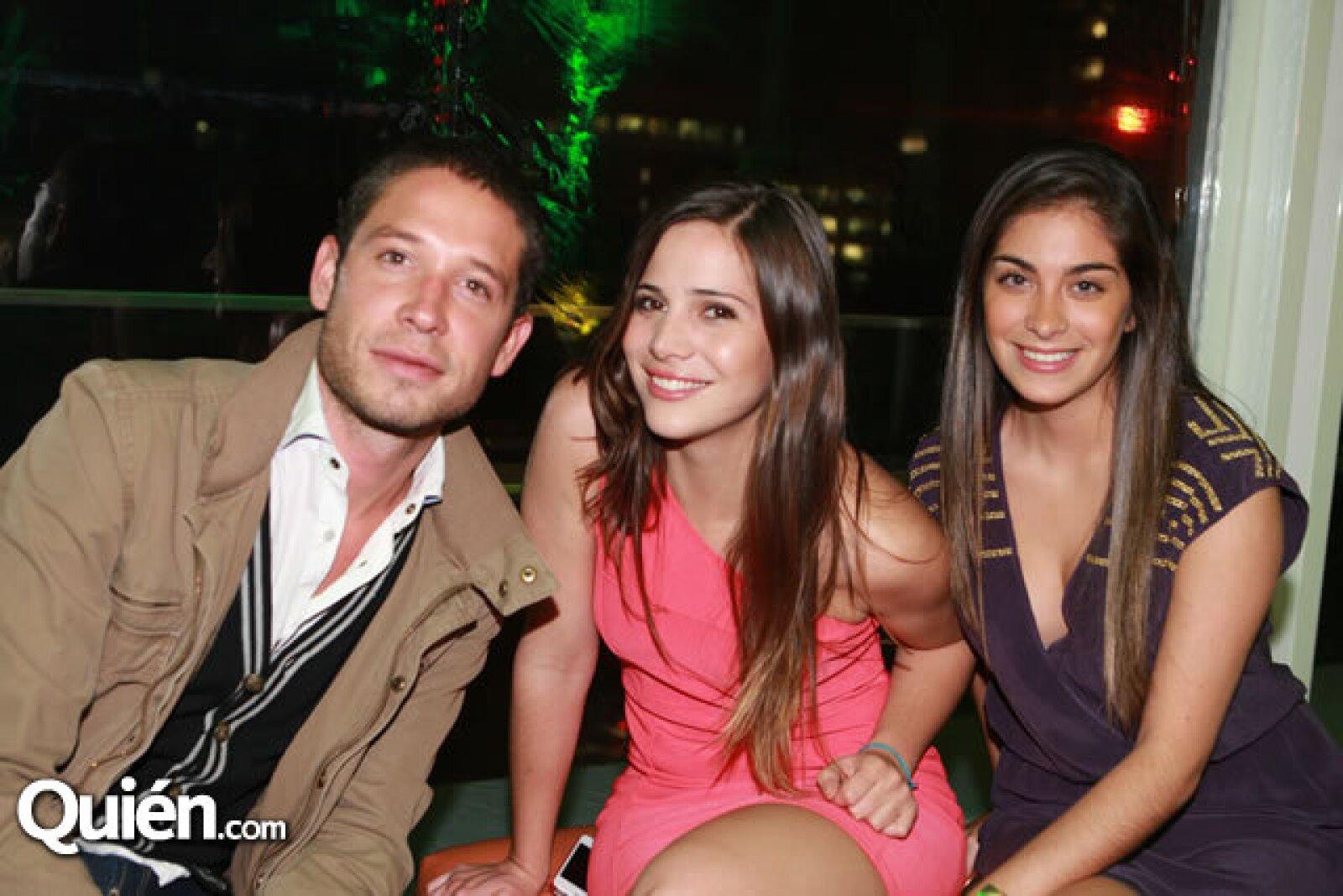 Alan de la Peña, Isabel Irazábal y Michelle Sobrino