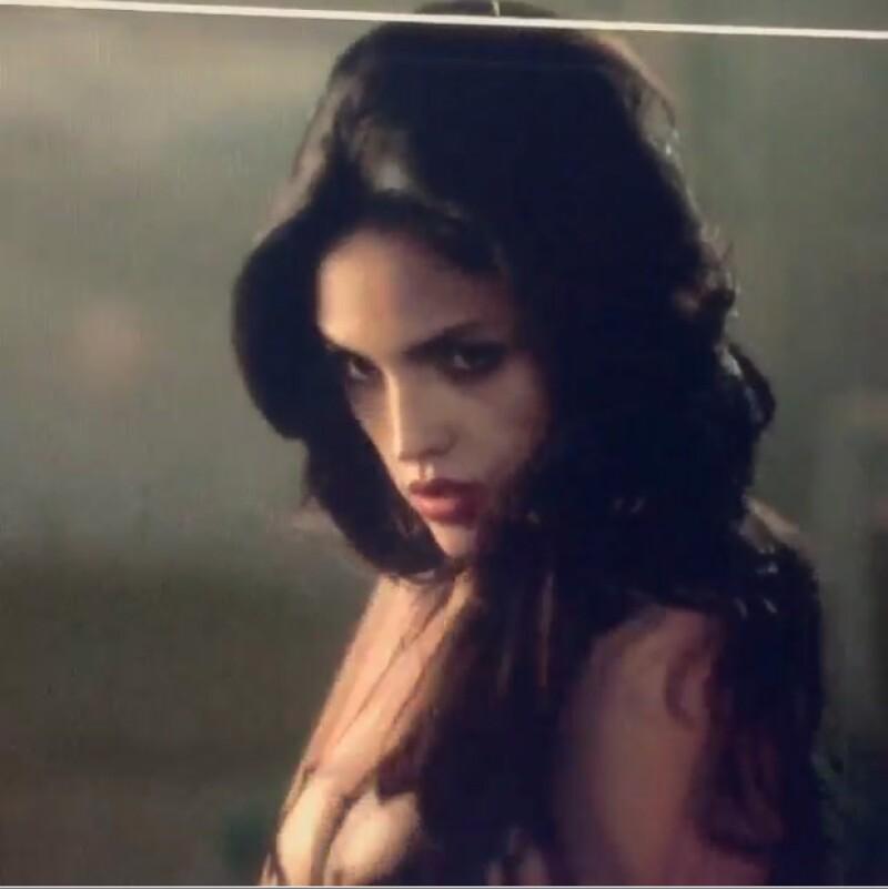 La actriz dio una sneak peak de lo que se podrá ver en unos meses en la segunda temporada de la serie que protagoniza junto con su novio, DJ Cotrona.