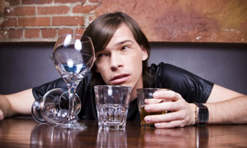 La recomendación de los médicos para evitar la cruda: no beber. (Foto: Getty Images)