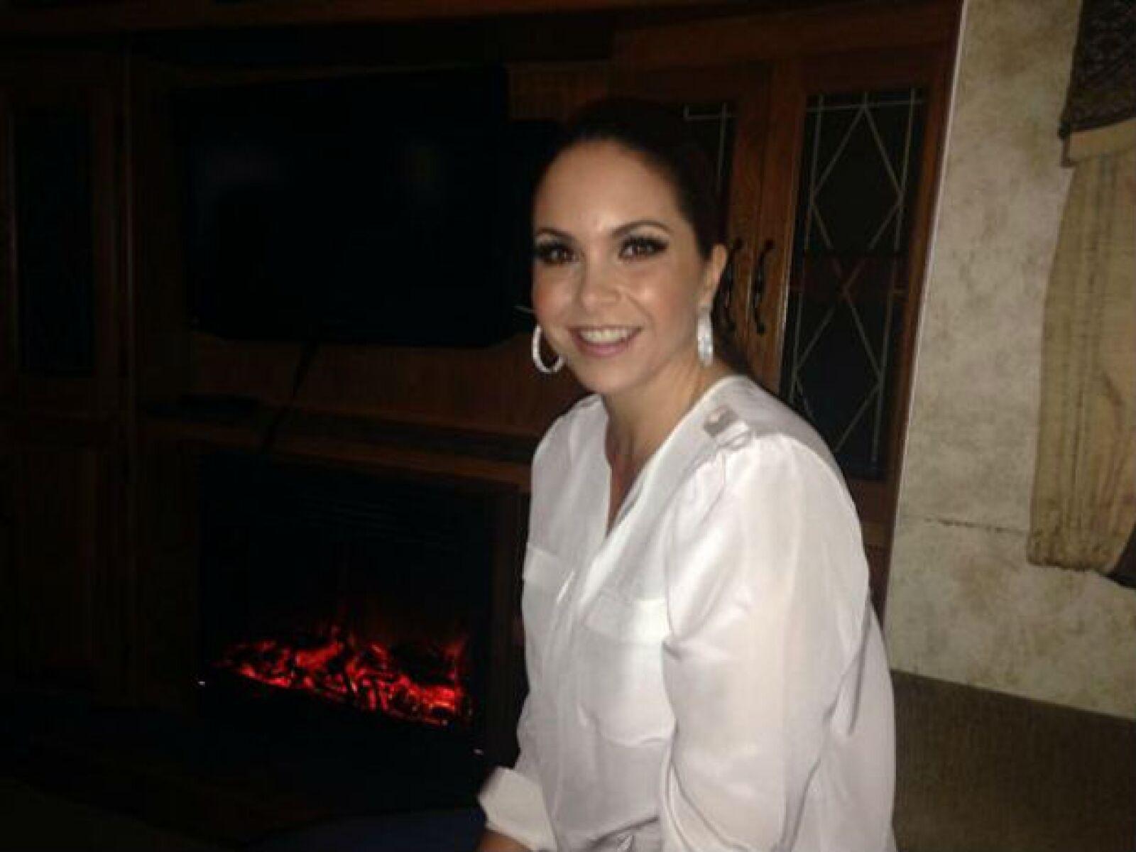 Con esta foto Lucero anunció su alegría por cantar anoche en el Zócalo.