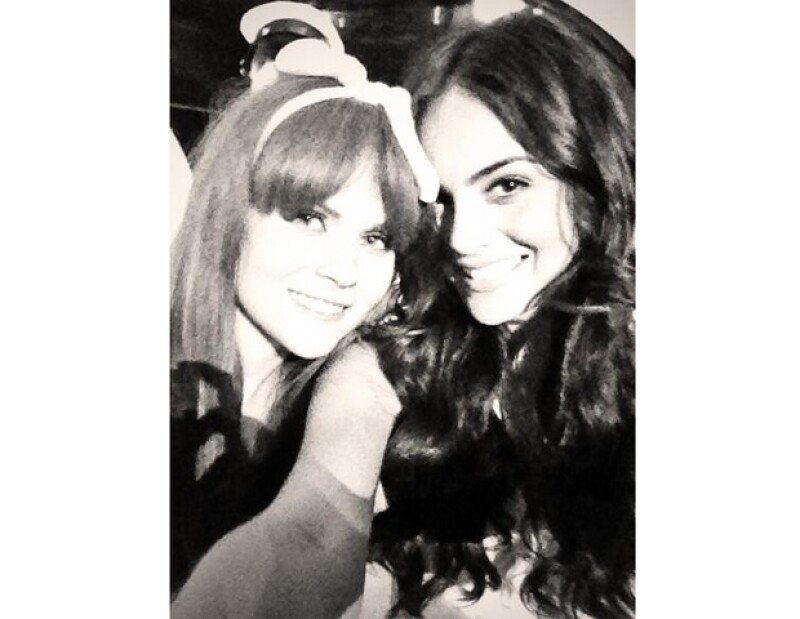 Ximena con Laura Carmine.