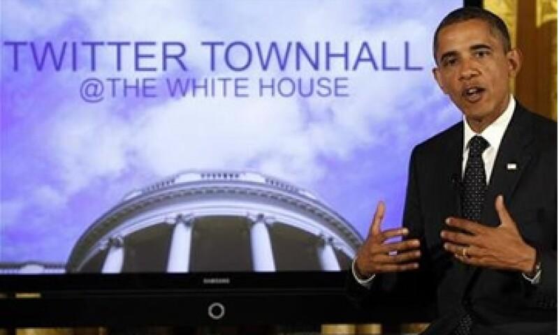 Barack Obama ha publicado casi el doble de videos en YouTube y mensajes en blogs que Mitt Romney. (Foto: Reuters)