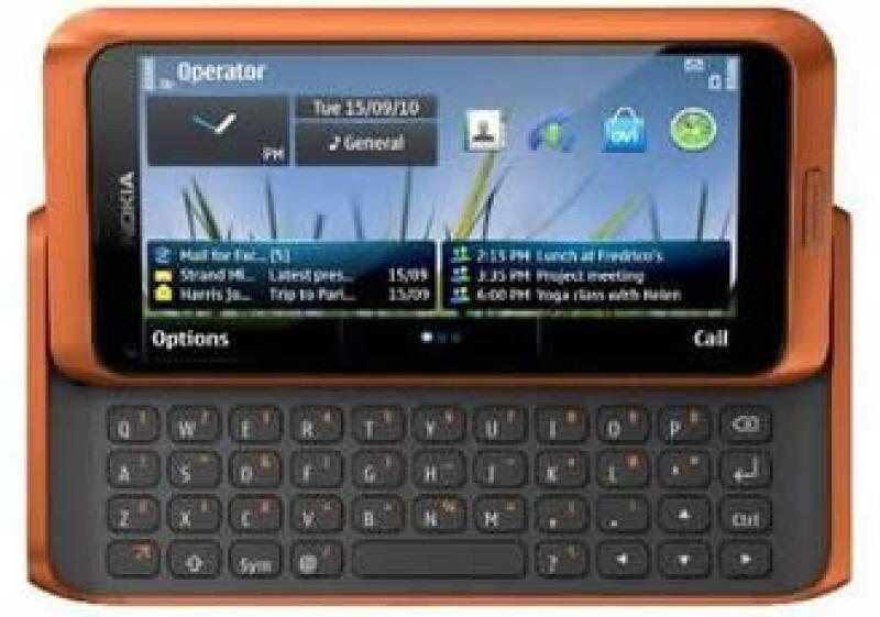Los lanzamientos de Nokia, como el E7, lucen grandes pantallas táctiles. (Foto: Reuters)