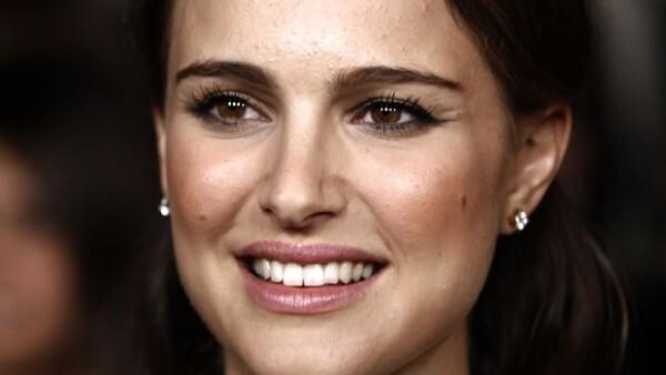 La actriz está en el mejor momento de su carrera y es que nuevamente estrenó película, esta vez al lado de Scott Cohen y Lisa Kudrow. Sin duda sigue acaparando la atención.