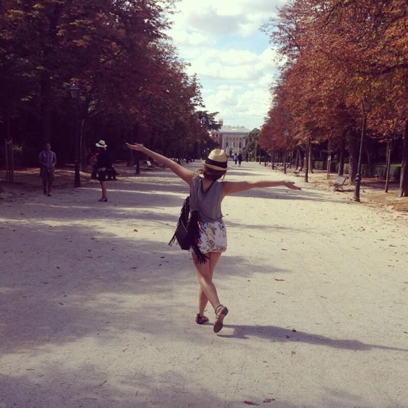 La actriz compartió esta imagen disfrutando la tarde en el famoso Parque del Retiro de la ciudad.