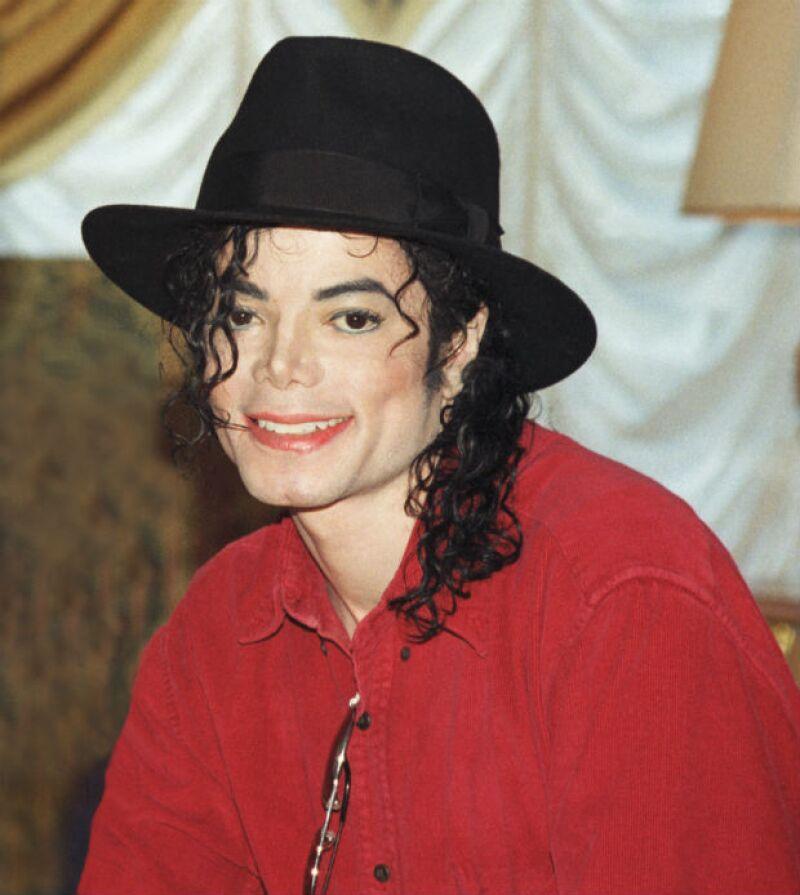 Michael Jackson comenzó su carrera musical al lado de sus hermanos.