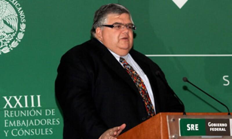 Agustín Cartens, gobernador de Banxico dijo que la cifra de entre 500,000 y 600,000 empleos formales en 2012 es insuficiente. (Foto: Thinkstock)
