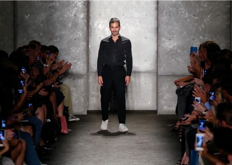 El creativo estadounidense sorprendió durante la Semana de la Moda neoyorquina por sus tonos apagados y siluetas holgadas como propuesta para la próxima temporada estival 2014.