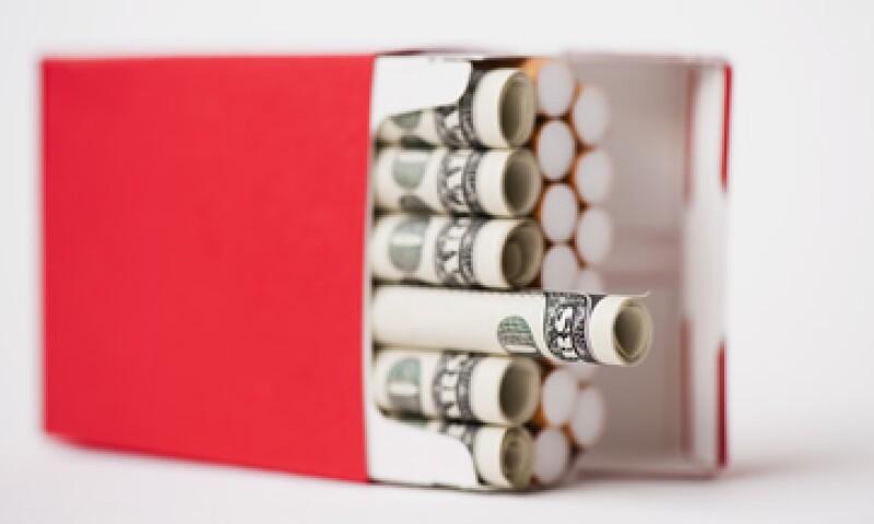Las ganancias que se obtienen por traficar tabaco llegan a ser millonarias, denuncian empresas del sector. (Foto: Getty Images)