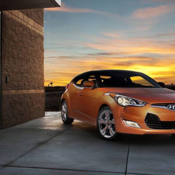 El otro modelo que presentó la firma fue la combinación entre un 'coupé' y un 'hatchback', unión que sorprende a la pupila. Tiene un motor de inyección de directa de gasolina (GDI) de 1.6 litros y un rendimiento de 35 millas por galón.