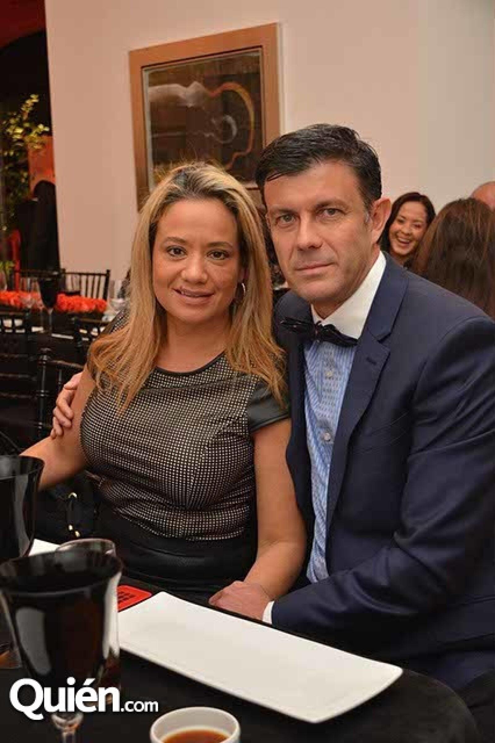Thelma y Alfonso Vaca.