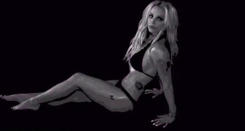 Britney Spears presumió cuerpazo en una seri de videos que parecen ser de su nueva producción.