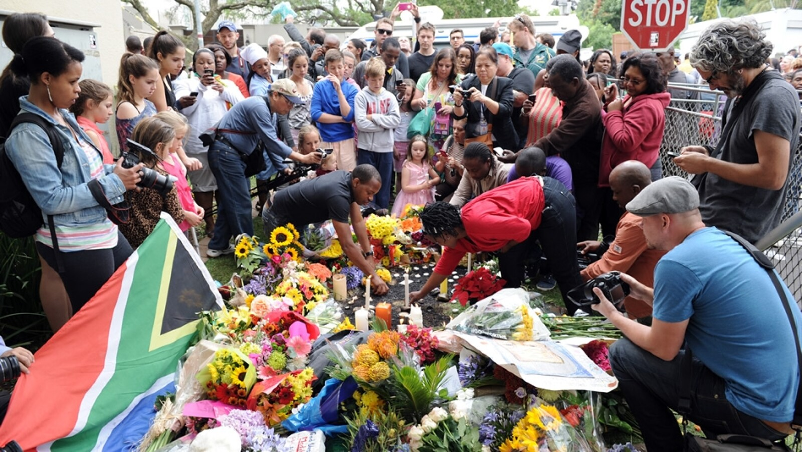Nelson Mandela ofrendas Sudáfrica viernes