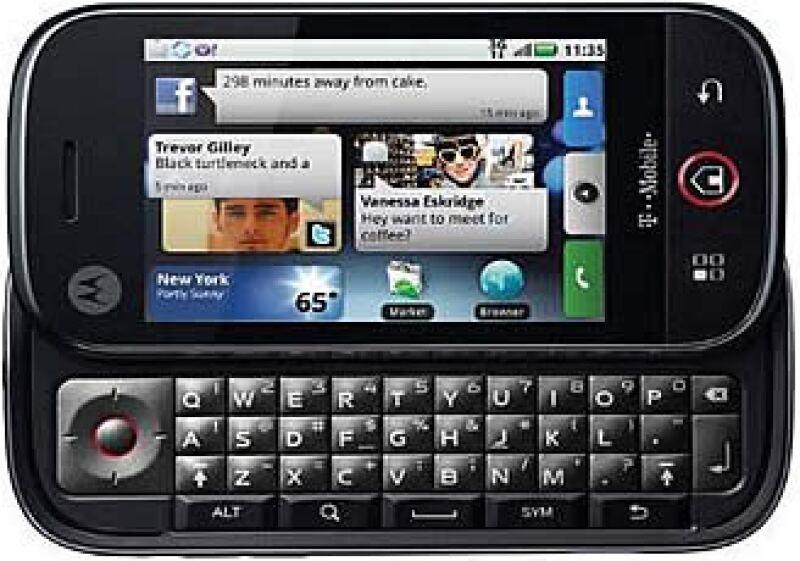El celular Motoblur es uno de los aparatos, en México, que cuentan con el sistema operativo Android de Google.  (Foto: Cortesía Motorola)