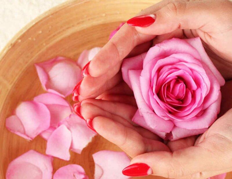 Usaba tónico de agua de rosas para hidratarla y mantenerla joven.