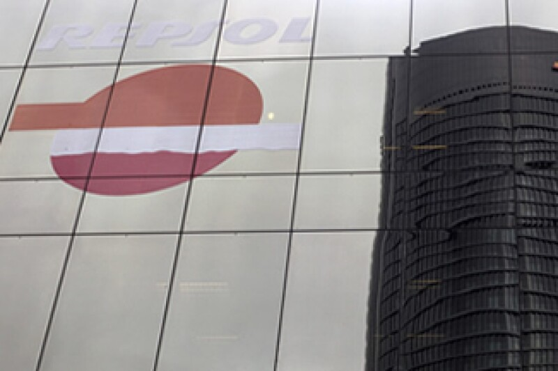 La inversión de Pemex registra ahora una pérdida cercana a los 90 millones de euros con los movimientos de las acciones de Repsol-YPF. (Foto: Reuters)