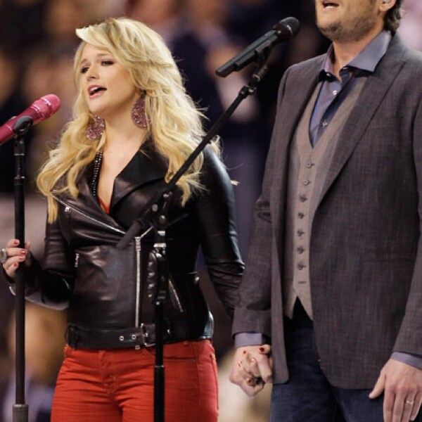 "Blake Shelton y Miranda Lambert cantaron el tema ""America the beautiful"""