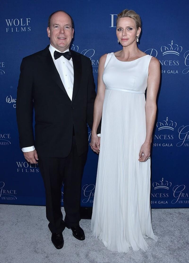 Charlene de Monaco encantó con este vestido Christian Dior que la hzo ver sofisticada.