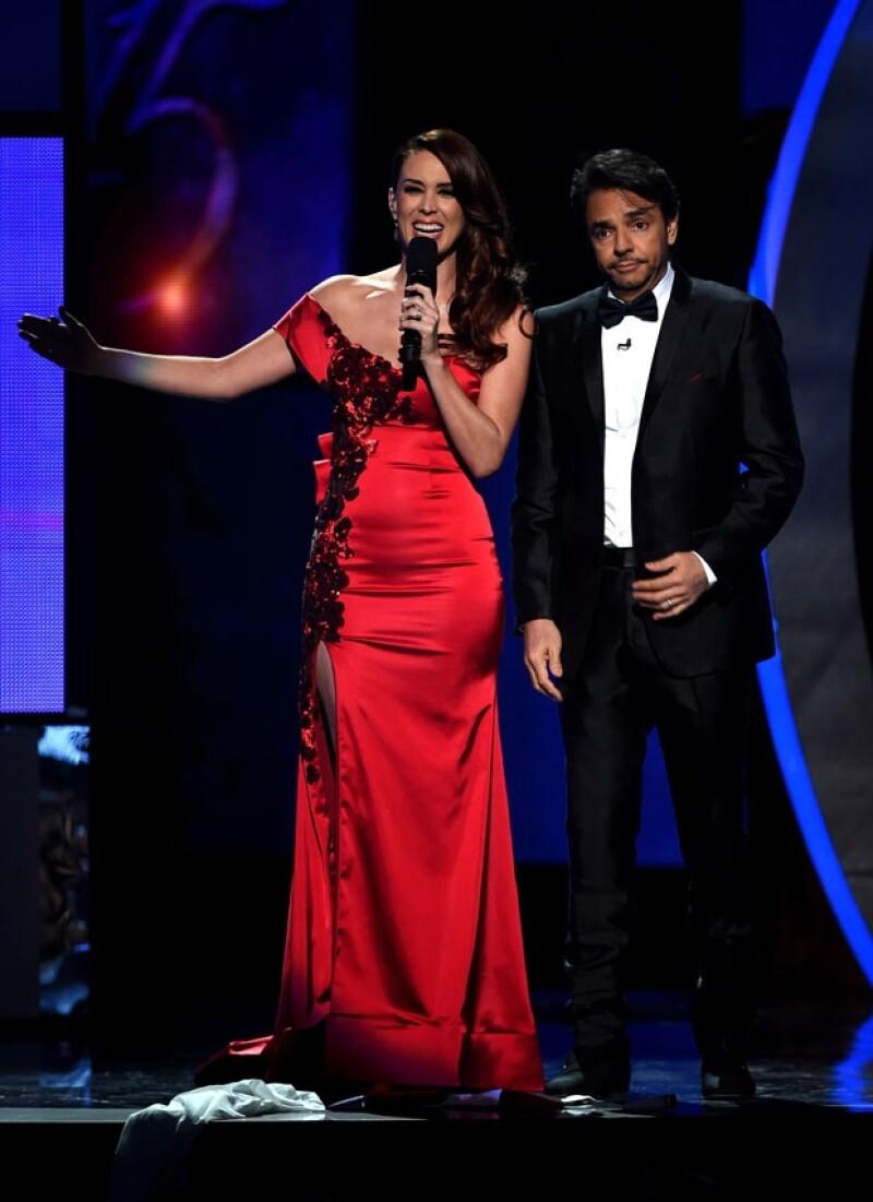 Jacky Bracamontes y Eugenio Derbez hicieron un divertido papel como anfitriones de la entrega de premios.
