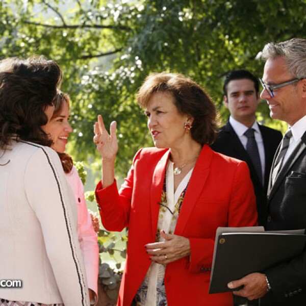 Ivonne Ortega,Elisabeth Betón,Raúl Romo