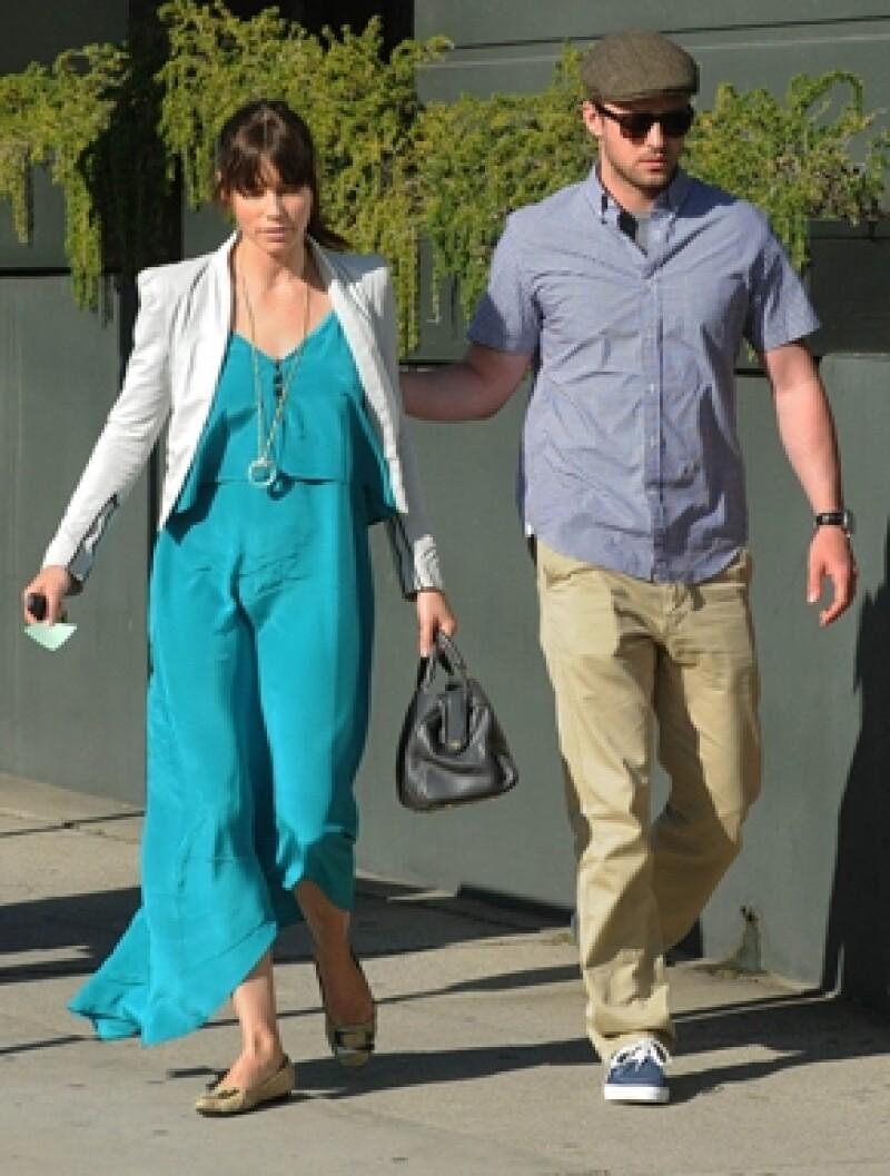 ¡Por fin! la actriz, quien anunció en enero sus planes de boda con Justin Timberlake, dejo ver el diamante que el cantante le dio.