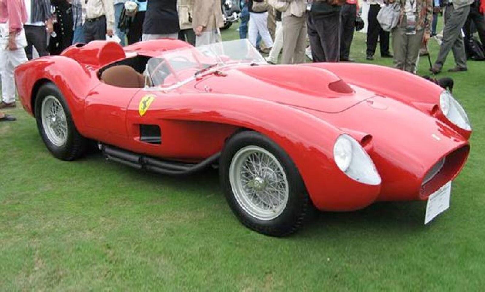 El estilo del 250 TR está inspirado en los Fórmula Uno de los años 50, según declaraciones de su creador, Sergio Scaglietti. Recientemente, un Ferrari 250 TR 1957 fue subastado por 16 millones de dólares.