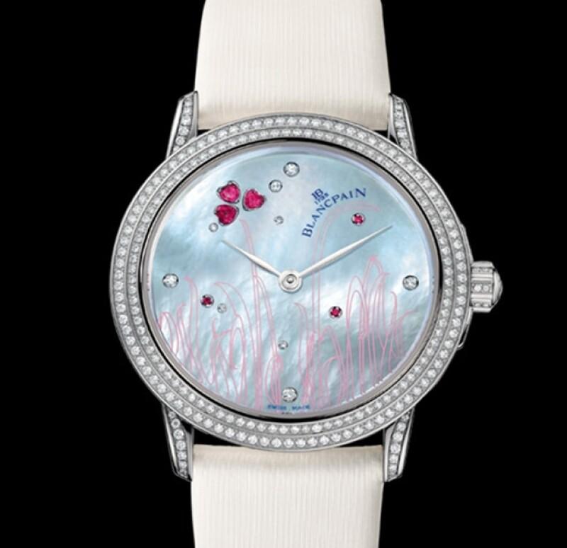 Con motivo del cumpleaños de la modelo número 39, su esposo James Hince le regaló un reloj con brillantes valuado en 77 mil dólares.