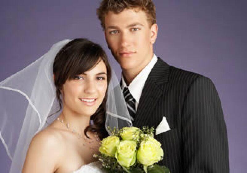 Una mayor educación y mejores ingresos han ajustado los roles que tienen las parejas casadas en EU. (Foto: Jupiter Images)