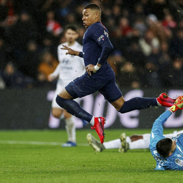 Ligue 1 - Paris St Germain v Olympique Lyonnais